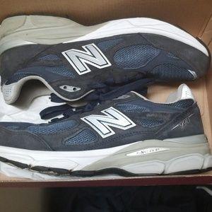 Size 9.5 navy blue 990 new balance